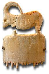 Écailles de Tortues dans TORTUE 170px-Egypte_louvre_Peigne