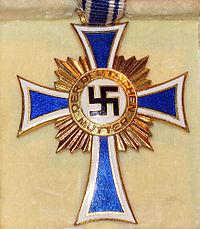 Ehrenkreuz der deutschen Mutter gold 2.jpg