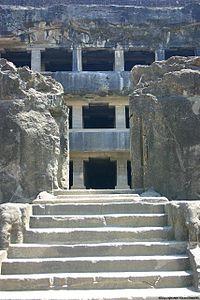 Ellora cave12 001