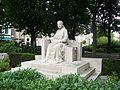 Emma monument Middelburg 2.JPG