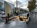 Entrée Station Métro Sablons Neuilly Seine 1.jpg