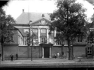 Museum De Lakenhal - Image: Erfgoed Leiden LEI001013142 Gezicht op de Lakenhal aan de Oude Singel