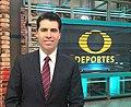 Eric Fischer en el estudio de Televisa Deportes.jpg
