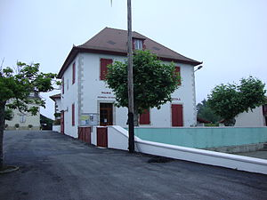 Etcharry - The town hall and school of Etcharry
