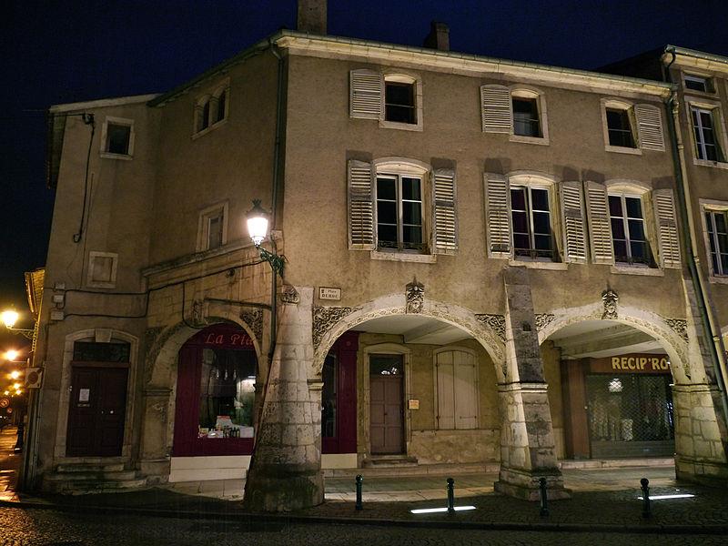 Maison Renaissance située au numéro 32 de la Place Duroc à Pont-à-Mousson, Lorraine, France