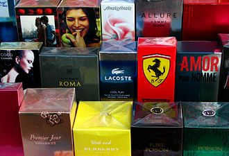 "An assorti of counterfeit perfumes (in a ""kiosk"" store) Fakeperfumes.jpg"