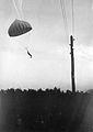 Fallskjermhopper (1935).jpg