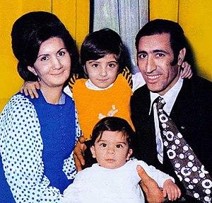 Firouz Abdolmohammadian - Image: Firouz Abdolmohammadian with family