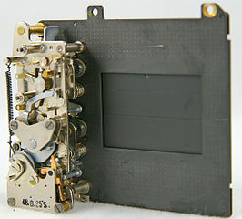 http://upload.wikimedia.org/wikipedia/commons/thumb/a/aa/Focal-plane_shutter.jpg/266px-Focal-plane_shutter.jpg