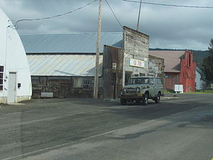 Fox, Oregon - The Fox Store and other buildings in Fox
