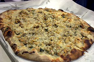 New Haven-style pizza - Image: Frank pepe clam pie