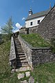 Frauenstein Kraig Propstei Treppe zur Pfarrkirche und zum Friedhof 26042015 2720.jpg