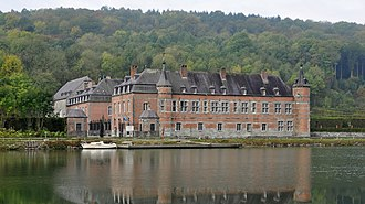 Castle of Freÿr - The castle of Freÿr seen from the Meuse