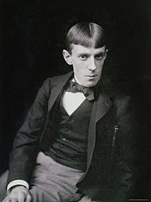 Frederick-hollyer-portrait-photograph-of-aubrey-beardsley.jpg