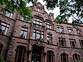 Friedrich-Gymnasium Freiburg (im Breisgau) Vorderfront (Nordseite) 01.jpg