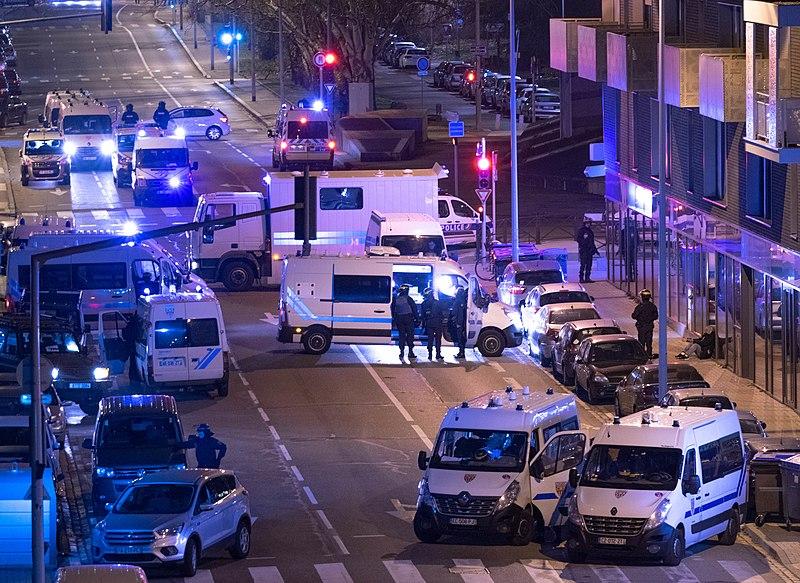 Fichier:Fusillade de Strasbourg, intervention police route de l'hôpital Neudorf, 11 décembre 2018 - 7.jpg
