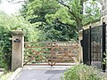 Gateway to The Headmaster's House, Low Bradfield - geograph.org.uk - 919005.jpg