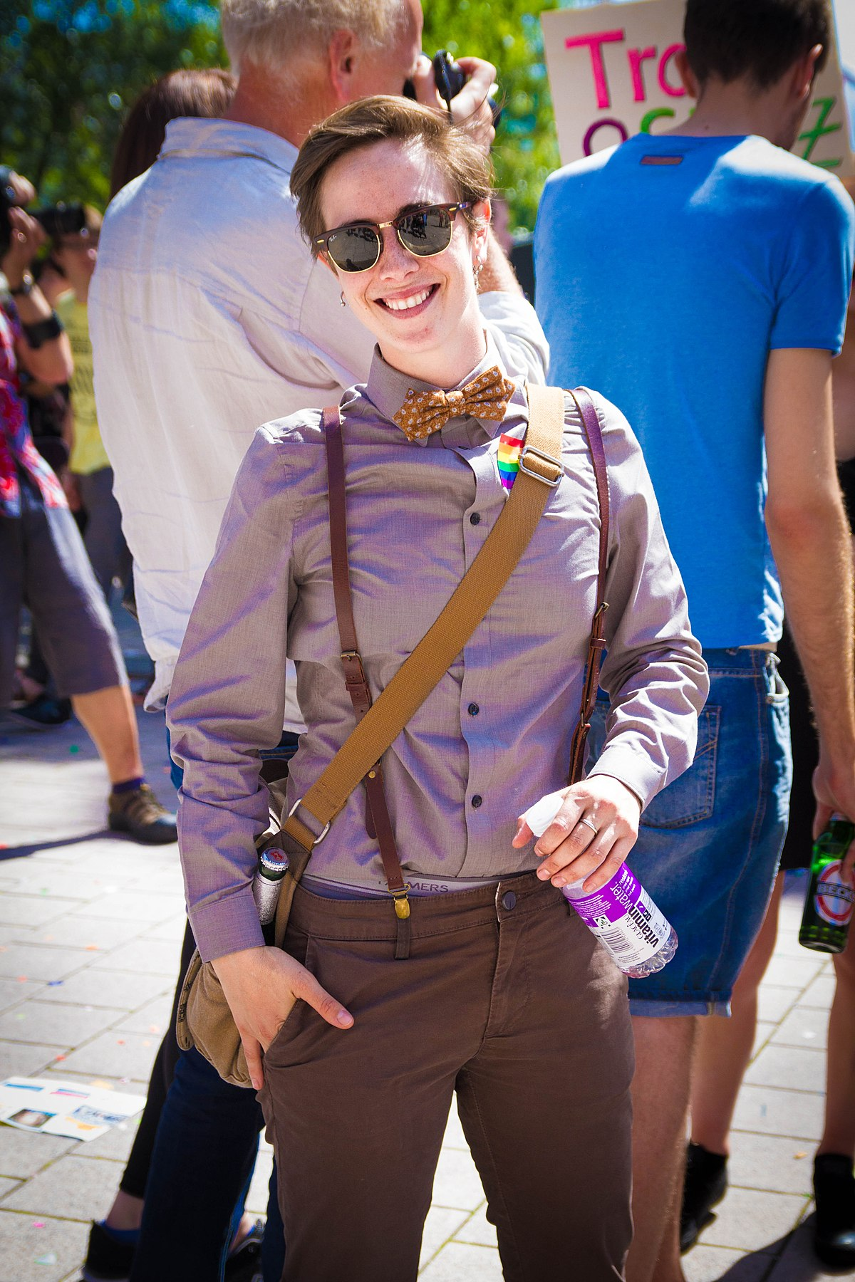 genderqueer fashion wikipedia