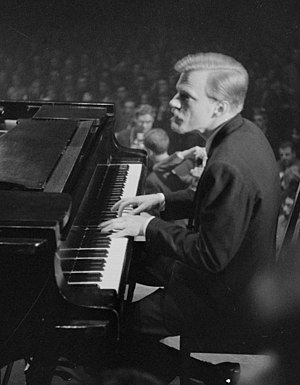 Gerry Mulligan - Mulligan on piano in the Netherlands in 1960