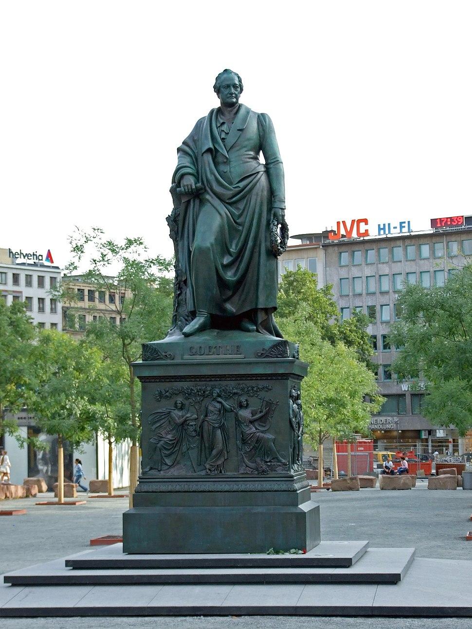 Goethe-denkmal-ffm001