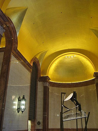 U.S. Bank Building (Chicago) - Image: Gold Leafed Ceiling of 190 S La Salle Lobby