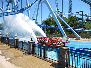 Griffon (roller coaster) - One of Griffon's trains passing through the splashdown element