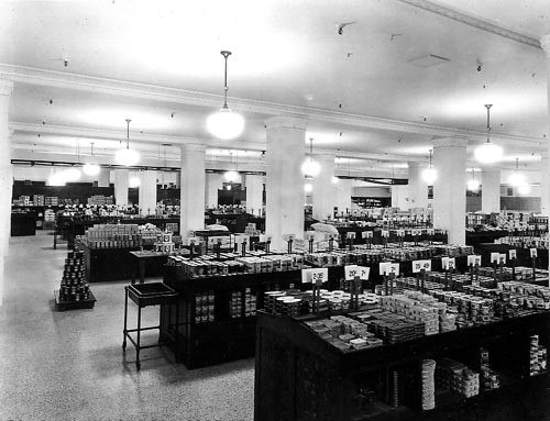 Grocery department in basement of T. Eaton%27s company, Calgary, Alberta
