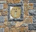 Guernsey 2011 096, Forest School sundial.jpg