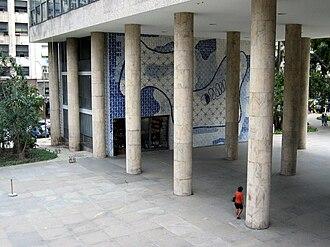 Gustavo Capanema Palace - Pilotis (pillars) and modernist azulejo mural, south view of main entrance.