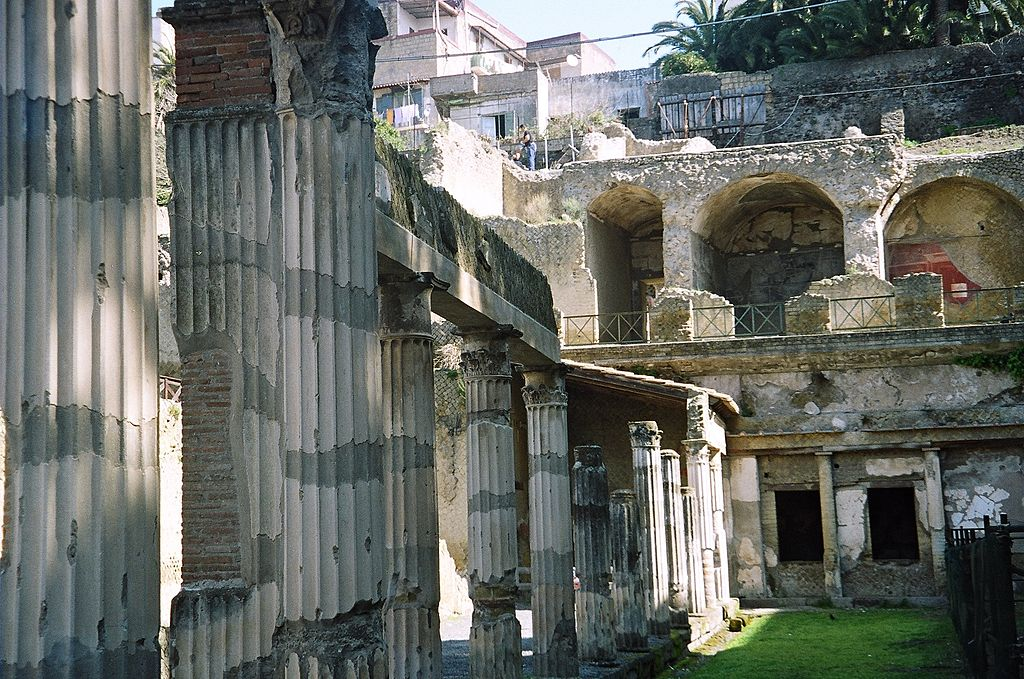 herculaneum dating Rome to amalfi coast tours  private excursions from sorrento:  herculaneum herculaneum, said to have been founded by hercules,.