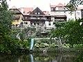 Houses by Vltava, Český Krumlov.JPG