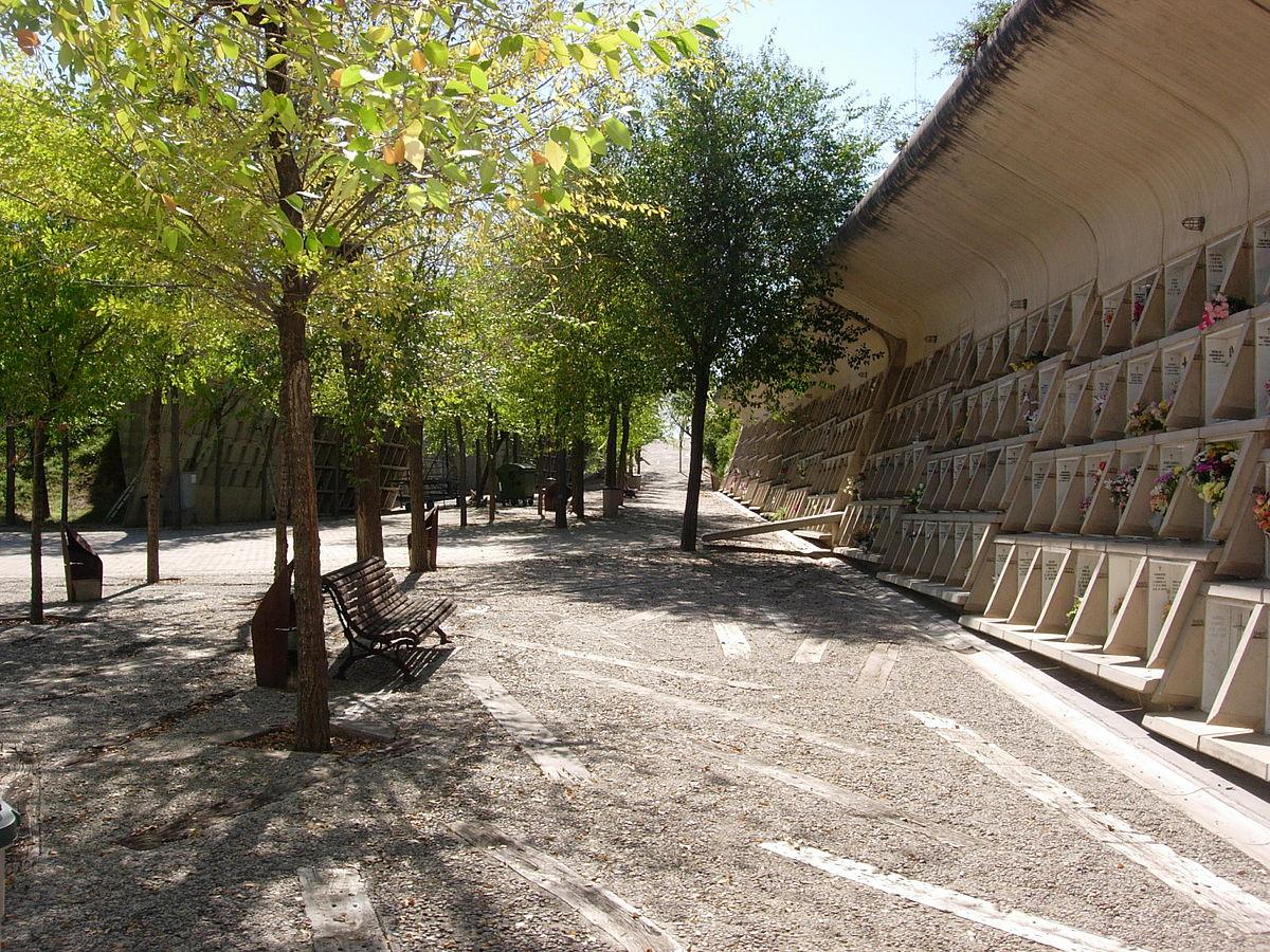 Igualada Cemetery - Wikipedia