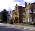 Imposing Buildings, High St, Brackley - geograph.org.uk - 1013242.jpg