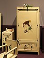 Industria veneziana mobili laccati, stanza di pinocchio (cameretta da bambino), 1928 (wolfosniana) con giocattoli d'epoca della coll. giocattoli antichi roma capitale 08.jpg