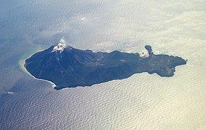 Iōjima (Kagoshima) - Aerial view of the island. (February 2008)
