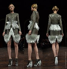 Iris van herpen wikip dia for Haute couture wikipedia