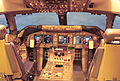 JAL Boeing 747-446 flight deck.jpg