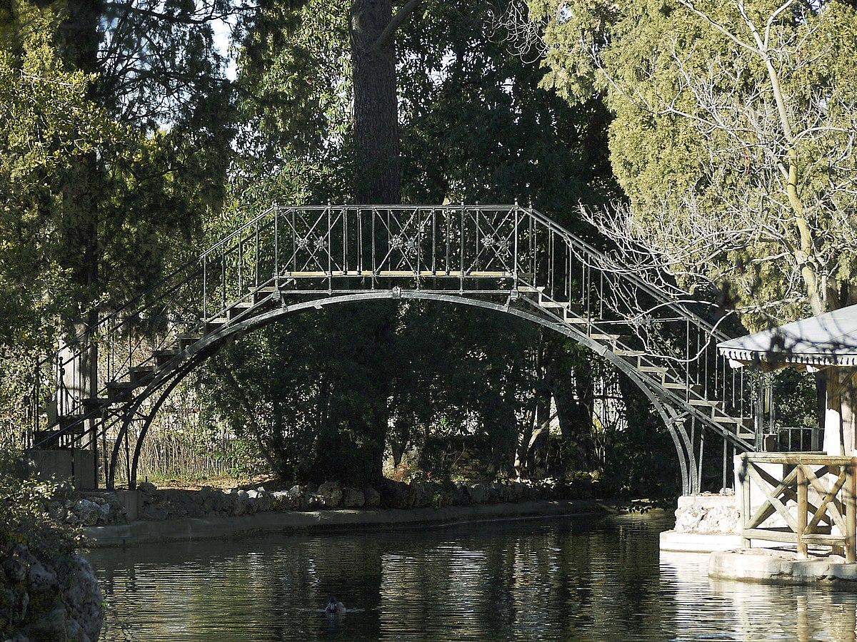 Puente de hierro del parque de el capricho wikipedia la for Para desarrollar un parque ajardinado