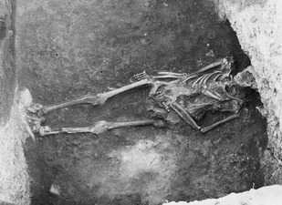Jordgrav. Enkomi. skelett - SMVK - C02488.tif