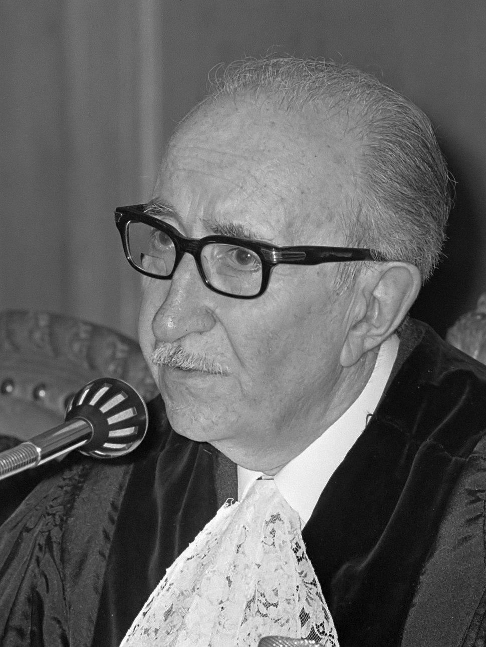 José Luis Bustamante y Rivero (1968)