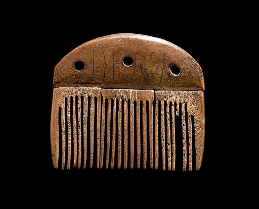 Vimose comb with runic inscription