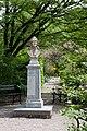 Karol Linneusz-popiersie-2.jpg