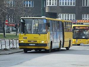 Katowice, Dworcowa ulice, autobus Ikarus 280