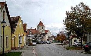 Katzelsdorf - Image: Katzelsdorf Hauptstraße
