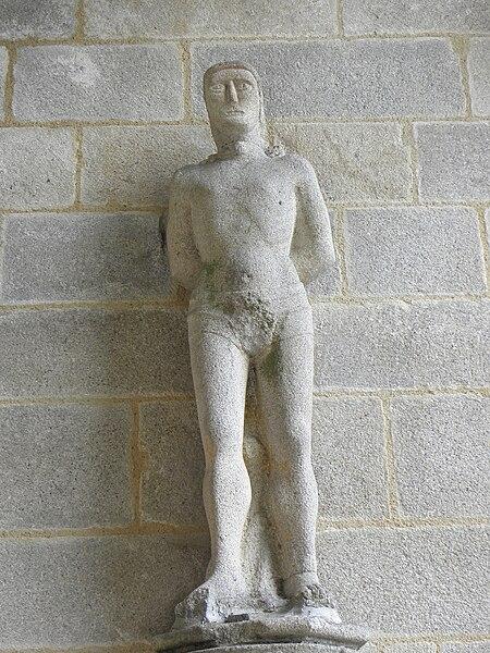 Statue des Saint-Sébatien au porche des hommes de la chapelle Notre-Dame de Kernascléden (56).