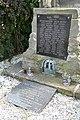 Klášter-Hradiště-nad-Jizerou-pomník-obětem-válek2019b.jpg