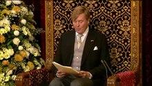 Arquivo: Koning Willem-Alexander spreekt de Troonrede 2015 uit in de Ridderzaal.webm
