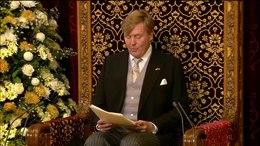 Bestand:Koning Willem-Alexander spreekt de Troonrede 2015 uit in de Ridderzaal.webm