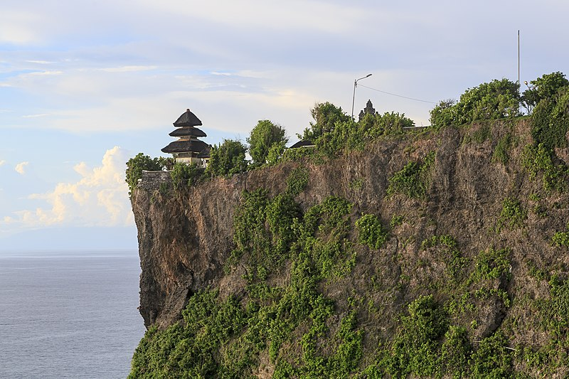 File:Kuta Bali Indonesia Pura-Luhur-Uluwatu-03.jpg