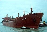 L' arrivée d'un navire cargo (2).jpg